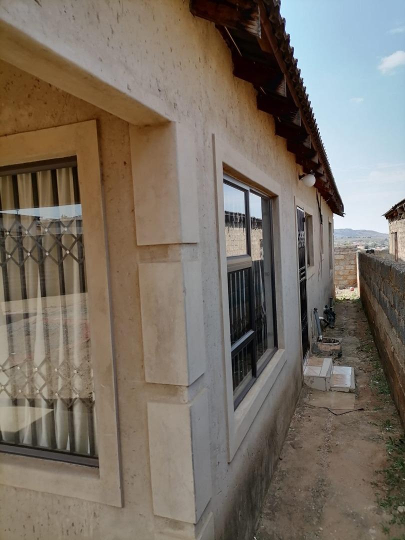 3 Bedroom House For Sale in Devland